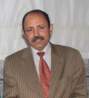 الكاتب رضا يوسف احمودي