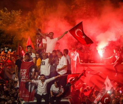 People celebrate after Binali Yildirim, who was favored by President Recep Tayyip Erdogan, conceded his defeat in the rerun of the mayoral election in Istanbul, Turkey – © Image: Burak Kara / Getty Images