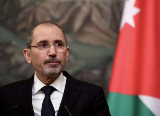 قال وزير الخارجية والمغتربين الأردني، أيمن الصفدي، في مؤتمر بروكسل الرابع الأخير حول دعم مستقبل سوريا والمنطقة، إنه تم إصدار أكثر من 190 ألف تصريح عمل للاجئين السوريين في الأردن.