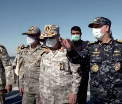 """القوات البحرية الإيرانية تطلق مناورات """"اقتدار 99"""" في بحر عمان وشمال المحيط الهندي"""