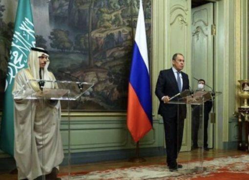 وزير الخارجية السعودي يبحث سوريا واليمن وليبيا مع نظيره الروسي