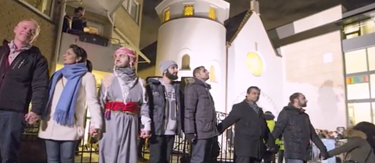 Norwegian Muslims Form a Ring of Peace Around a Synagogue to Support Jews - Norwegian Muslims Formed a Ring of Peace Around a Synagogue to Support Jews, Muslims Politics and Culture, MPC Journal, mpcmena