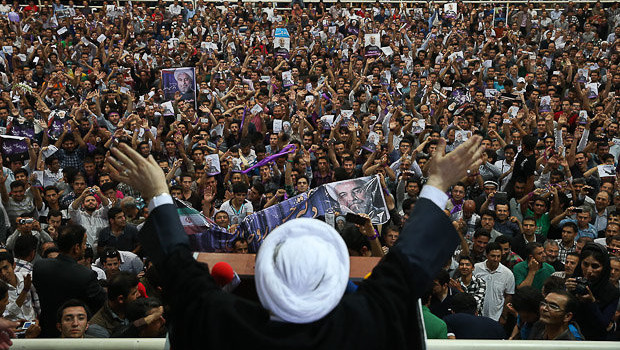 Iran's Rouhani before the crowds – © Image: Mona Hoobehfekr, MPC Journal