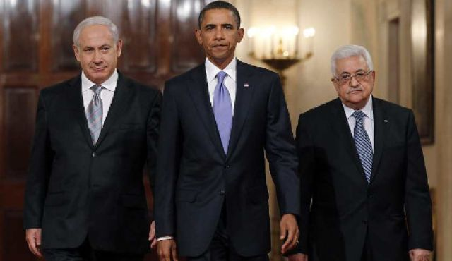 U.S. President Barack Obama with Prime Minister Benjamin Netanyahu and Palestinian President Mahmoud Abbas at the White House on September 1, 2010. © Image: Reuters. MPC Journal