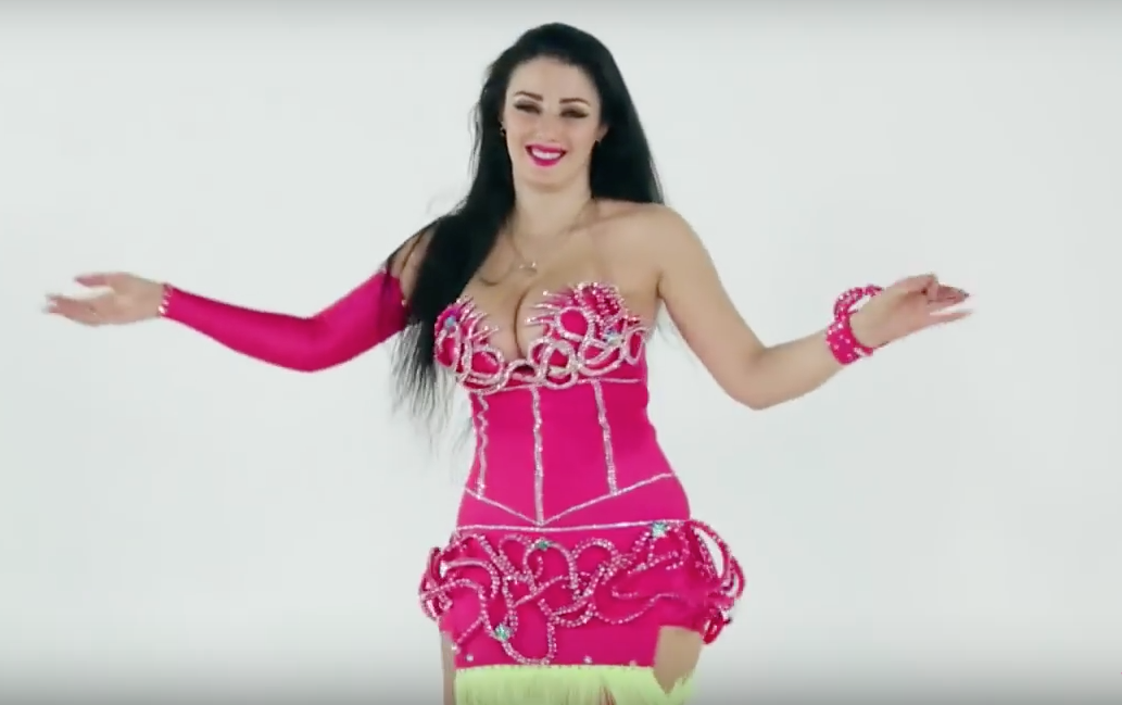 Safinaz – YouTube screenshot © MPC Journal. - Egypt's Obsession With Women's Clothes