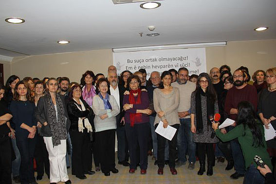 AcademicsForPeace at a press conference. (Foto: DIHA) mPC Journal - Demand Peace at Times of War
