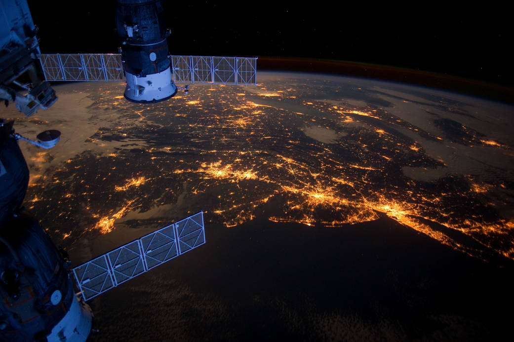 LOCATING TURKEY within OUTER SPACE POLITICS