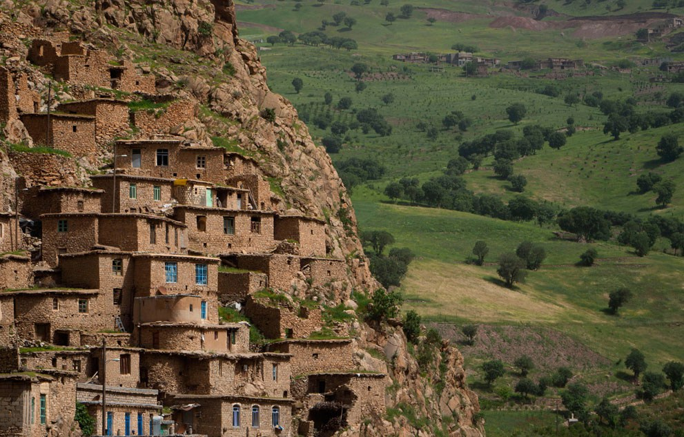 A view of Palangan village in Kurdistan province, about 660 km (412 miles) southwest of Tehran, on May 11, 2011. Iranian Shi'ite and Sunni Kurds live in harmony with each other in Palangan, although Sunni is the religion of the majority of the people.(Reuters/Morteza Nikoubazl)