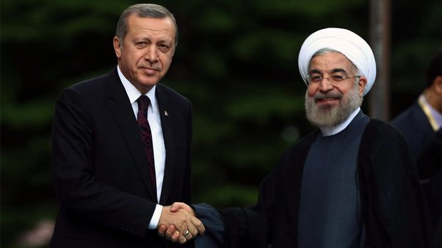 Iranian Role Trumps Turkish Model in the Middle East? - MPC Journal - Badi ElHusseini - Präsident Rohani und der Regierungschef Erdogan verfolgen eine pragmatische Politik (Bild: Keystone / AP)