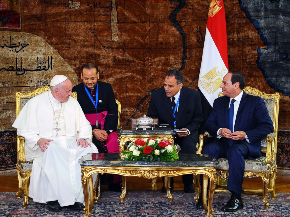 The Pope in Egypt: Tiptoeing Through Minefield, The Pope in Egypt: Tiptoeing Through Minefield