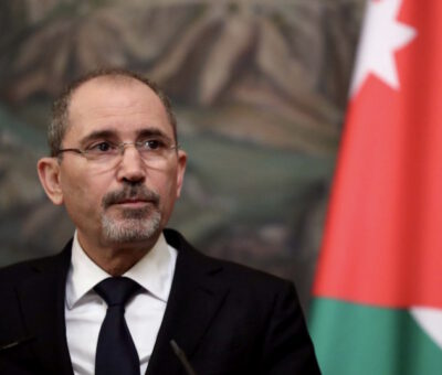 Jordan Issues over 190,000 Work Permits to Syrian Refugees